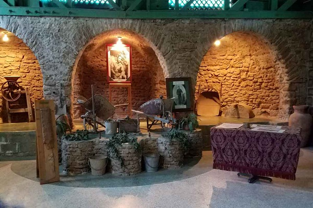 Willing to know more about Forestiere Underground Gardens?... Well, read on then!